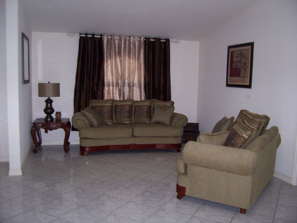Best furniture for rental property gallery of party for Cort furniture reviews