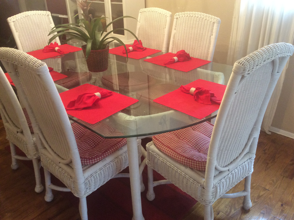 Pensacola Florida About A Year Ago I Paid The Company 30 To Pick Up My Beautiful Wicker Dining Room Set With Contract Sell Furniture And Send